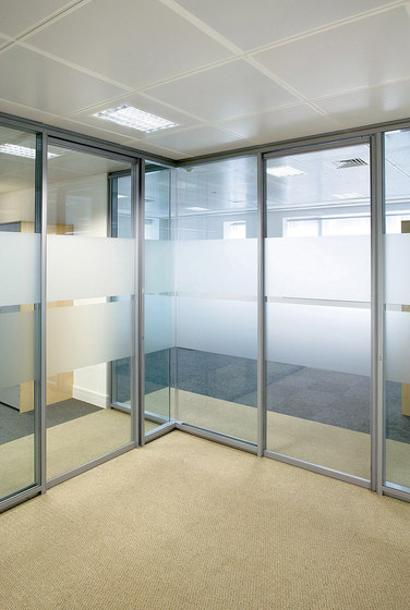P700 dividing wall by Faram 1957 S.p.A.