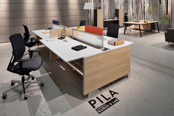 Pila Desk by Nurus