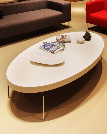 To Coffee Elliptical Coffee Table de Nurus