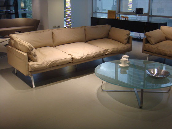 Tan Single Sofa de Nurus