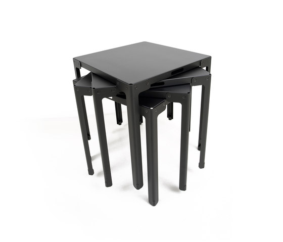 T-table outdoor by Functionals