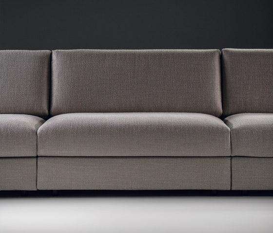 Classic sofa by Prostoria