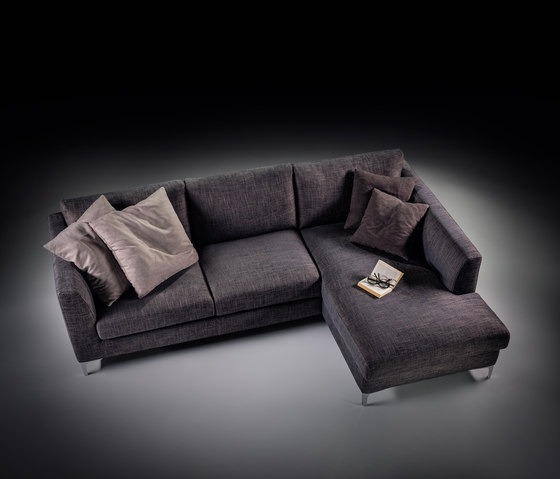 Basic sofa by Prostoria