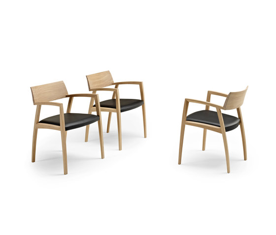 GM 326 Curve Chair de Naver Collection