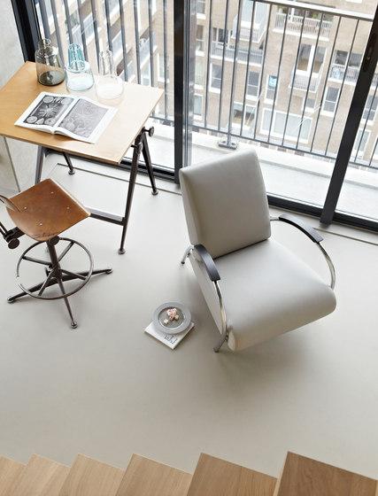 5775 Armchair | Footstool de Gelderland