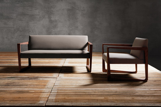 Askew couch by Billiani