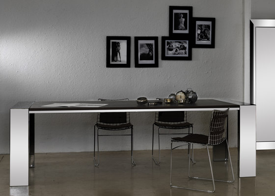 Cukas Table by Forhouse