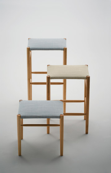 Lightwood Armless Chair (Mesh Seat) di MARUNI
