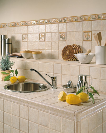 foto di rivestimento cucina di piastrelle 10x10 : Western Stone di Cerim Fresno Sonoma Somona Napa ..