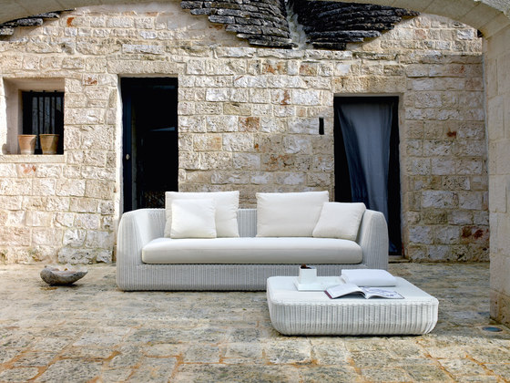 Agorà Sofa by Unopiù