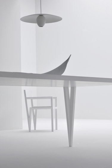 Bellimbusto table by Morelato