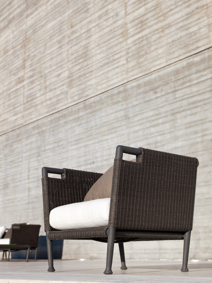 Lawrence Armchair by Unopiù