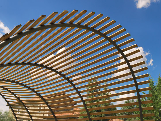 Wave Pergola by Unopiù