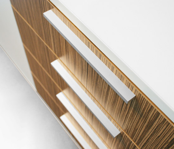 iSCUBE Sideboard by LEUWICO