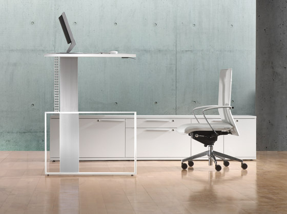 iMOVE-F Work station by LEUWICO