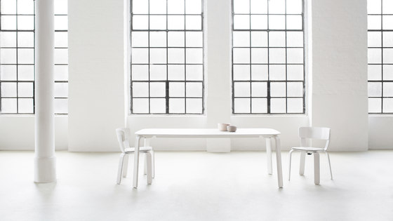 Bento kitchen table by Hem