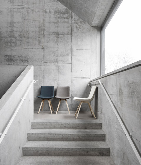 Comet Sport Chair by Lammhults
