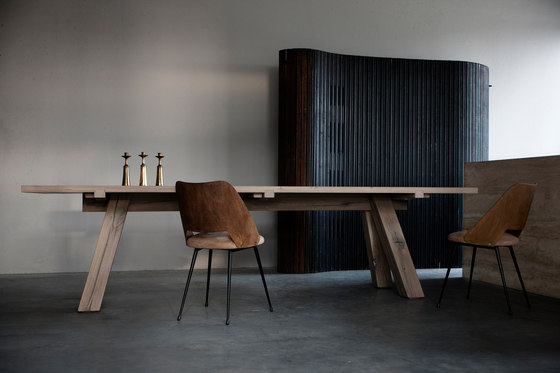 Lens dining table by Van Rossum