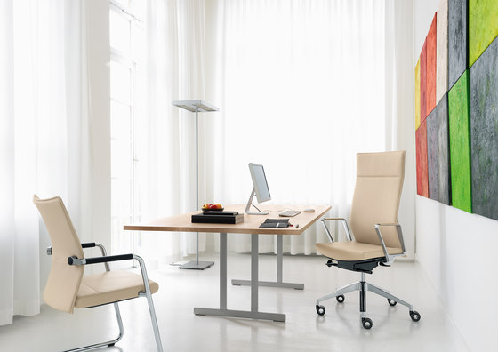 DIAGON Executive swivel chair by Girsberger