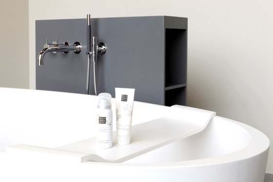 Loop bath by Not Only White B.V.