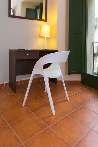 carla chair by Resol-Barcelona Dd