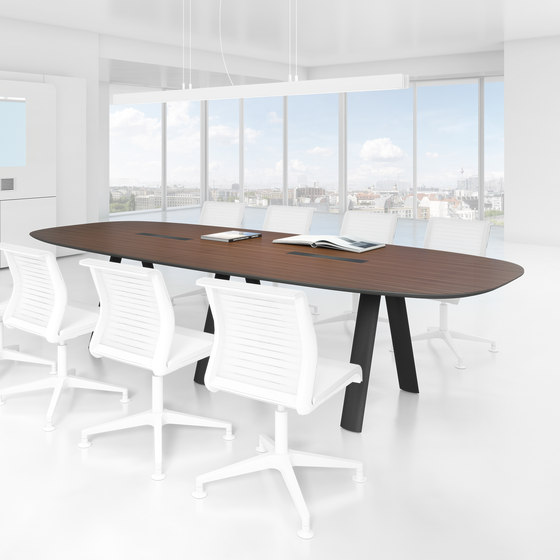 C9 Conference table di Holzmedia
