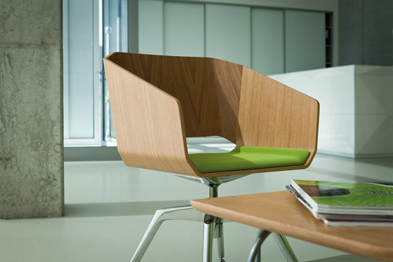 Sitag Woodi Lounge- and Conference chair by Sitag