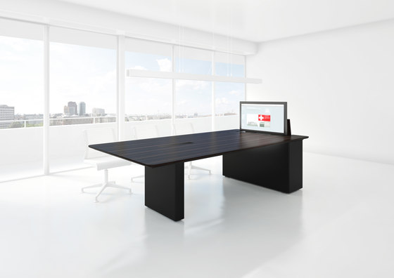 X6 Hide Desk by Holzmedia