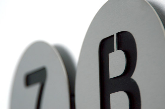 radius house number di Radius Design