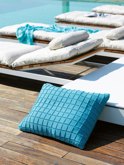 Knitwear Cushions | Line by Viteo