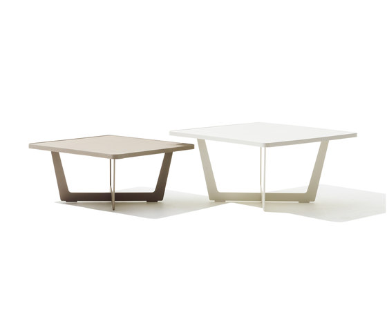Time Out coffee table small di Cane-line