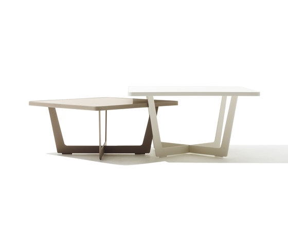 Time Out coffee table large de Cane-line