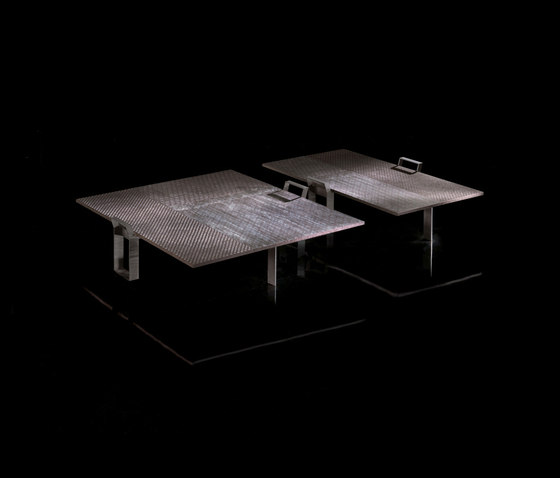 Nomad Table von HENGE