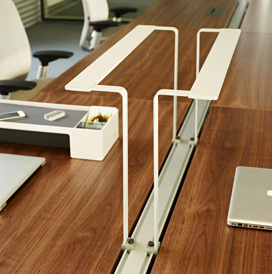 1+1 LED Task light di Steelcase