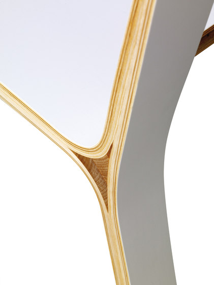 Frame chair de Plycollection