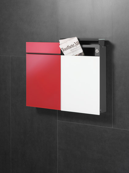 Newspaper slot | Flat Wide | glass by Serafini
