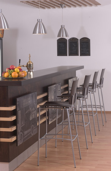 Press barstool walnut by Plycollection