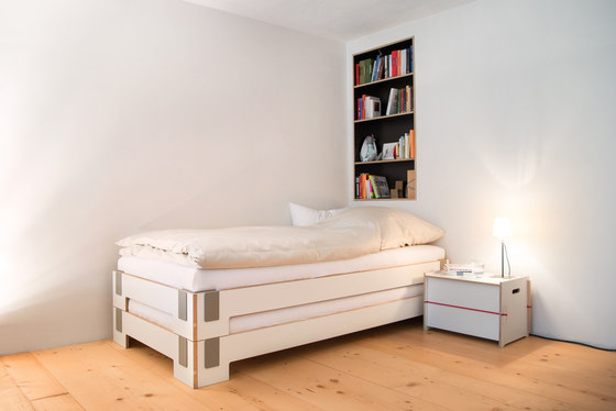 Tagedieb stacking bed by Moormann