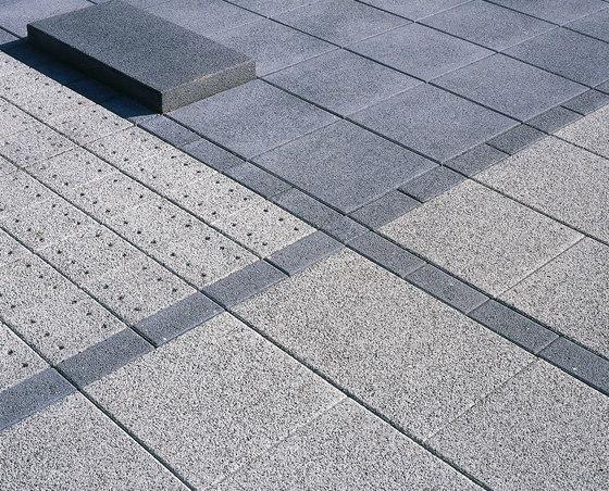 AquaSix granitgrau-rötlich by Metten