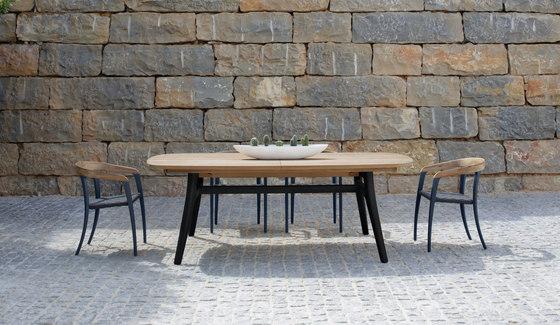 Zidiz ZDZ 320 extendable garden table by Royal Botania