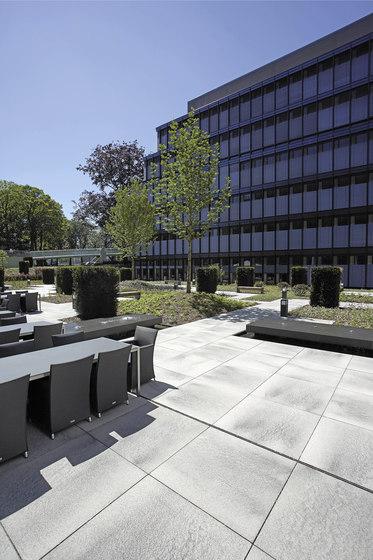 umbriano grau anthrazit gemasert beton platten von metten architonic. Black Bedroom Furniture Sets. Home Design Ideas