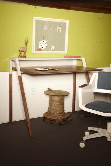 Cant Desk von Blu Dot