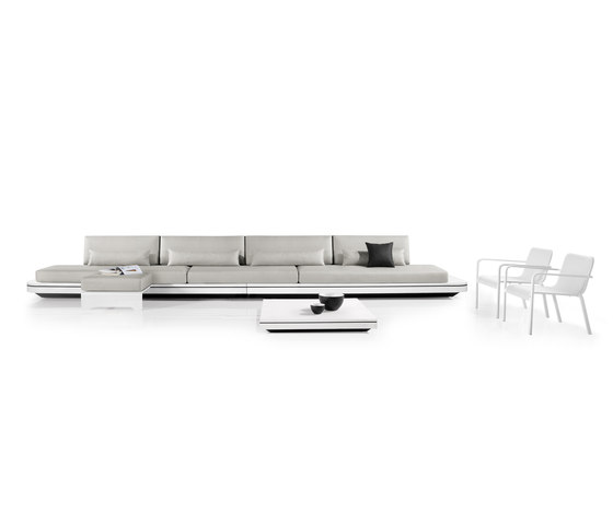 Elements concept lounger by Manutti