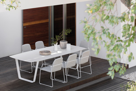 Loop dining chair di Manutti