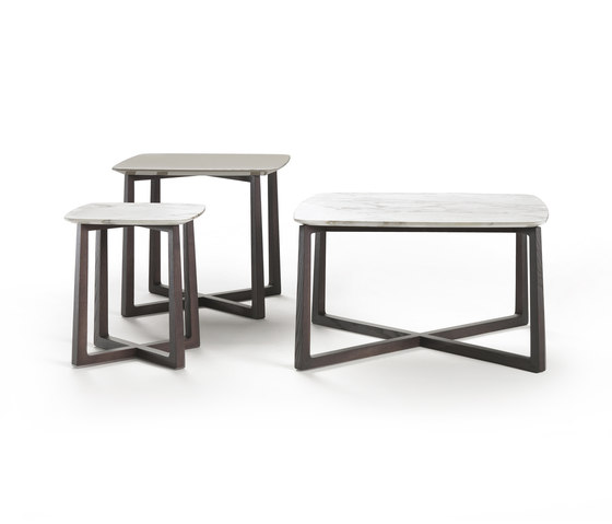 Gipsy table by Flexform