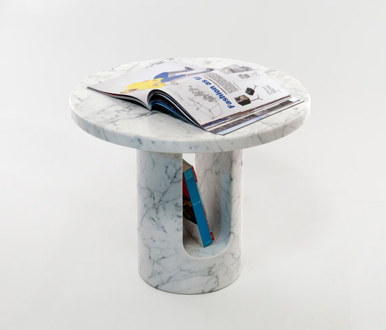 U-turn side table by Covo