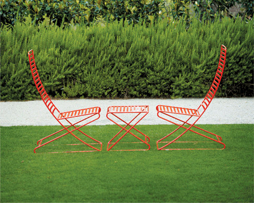 Parc Centre Chair with arms by Landscape Forms
