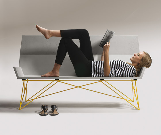 Inclinare Bench by Hard Goods