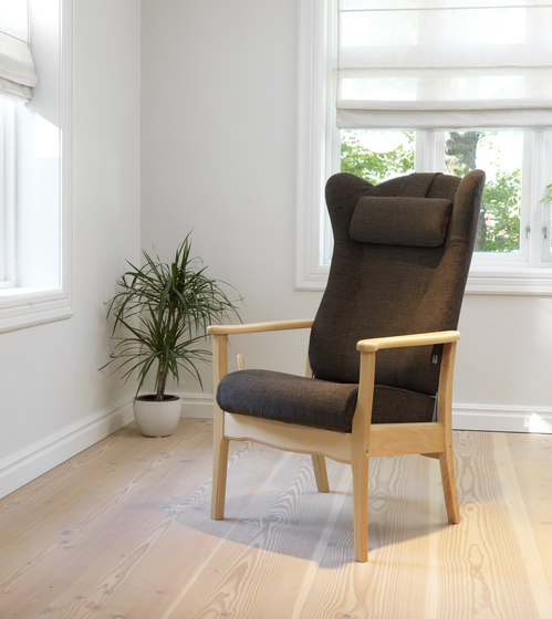 Ergo recliner chair by Helland