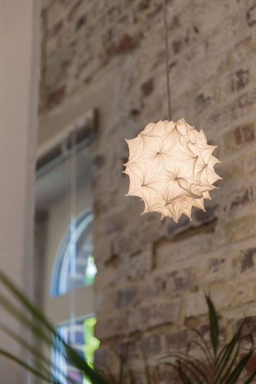 Shizuku Table lamp by Suzusan
